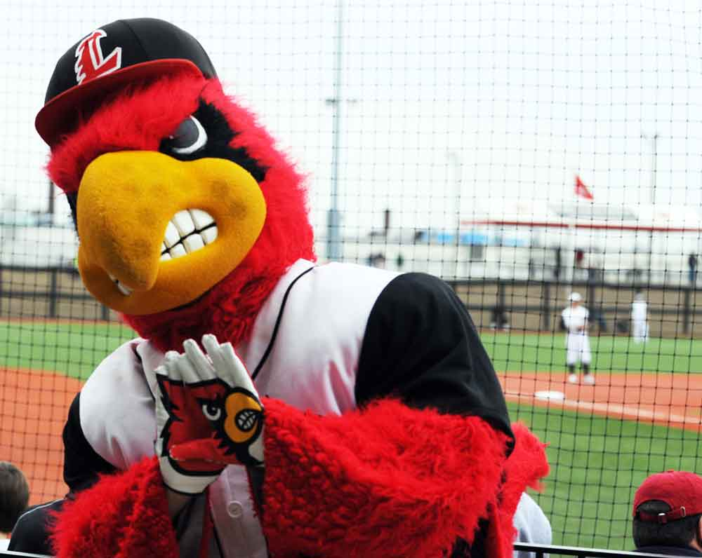 Louisville baseball wins home opener, observer gets tacos