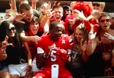 Teddy Bridgewater gets some love from fans. (John Lewis photo)