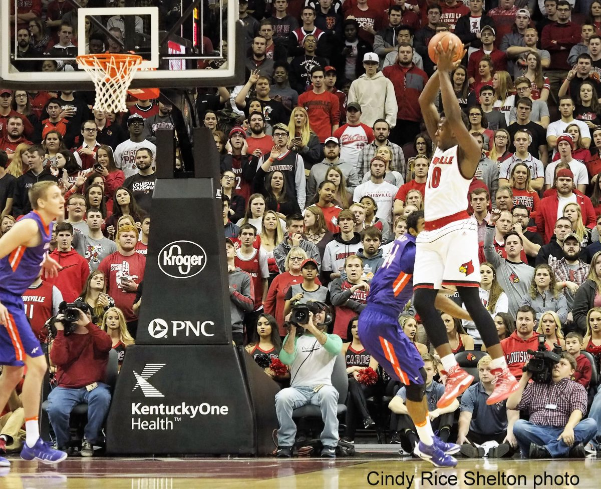 Jaylen Johnson emerges, Louisville rips Evansville 78-49