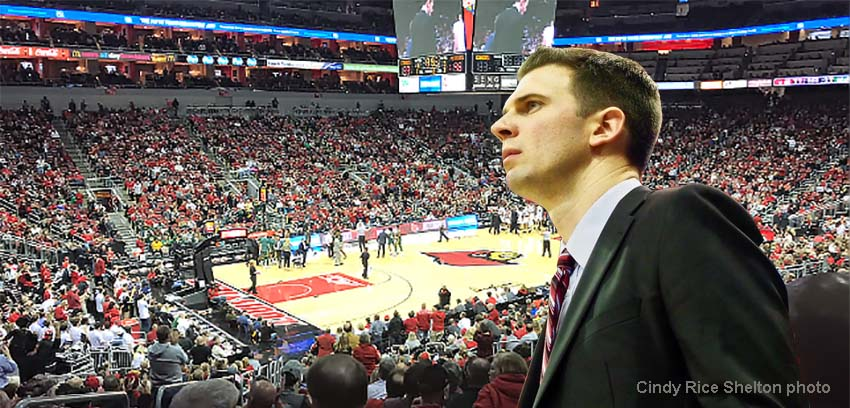 Agonizing start but Louisville gives David Padgett his first win