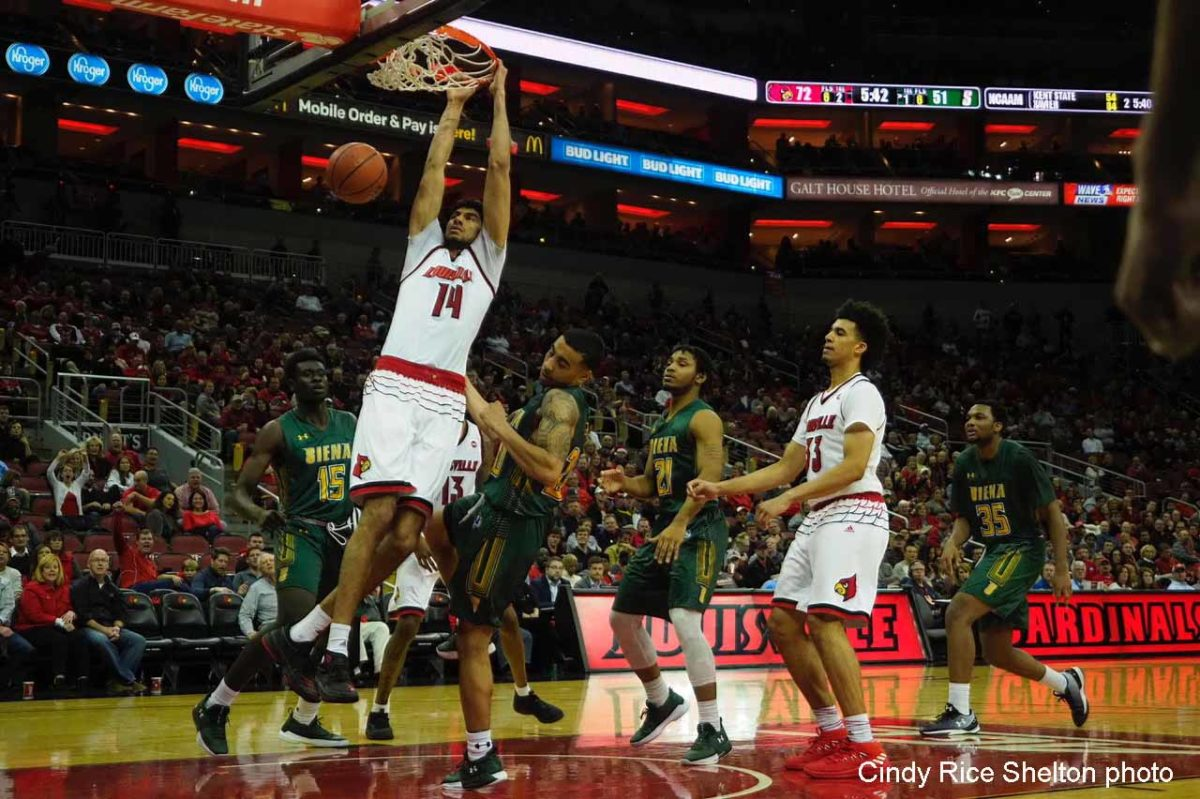 Mahmoud, Spalding live big, Louisville routs Siena