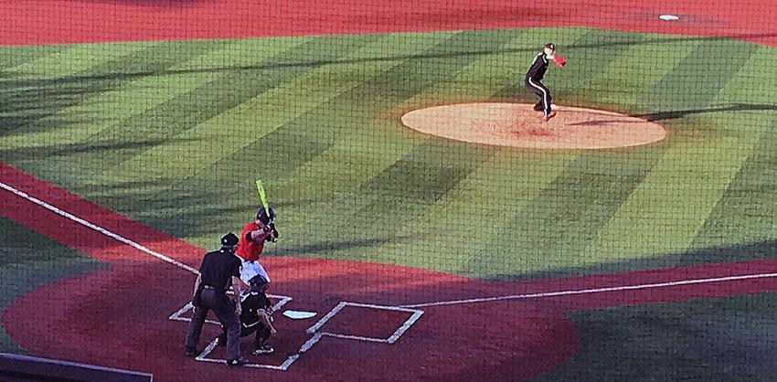Oriente hitting streak continues, Louisville nips Virginia