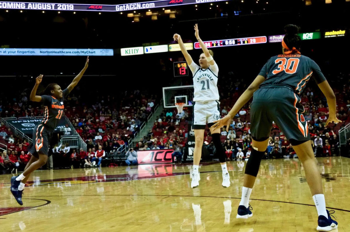Louisville women take care of Cuse, move to top of ACC